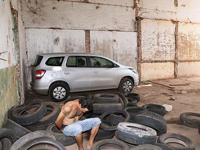 Funcionárias informaram que o prédio que fica na avenida Guilherme Ferreira foi arrombado, de onde levaram o veículo / Fotos/ Neto Talmeli