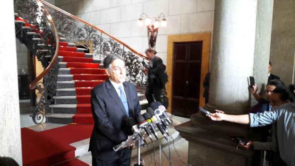 Pimentel espera aprovação do decreto de calamidade financeira pela Assembleia Legislativa. Ainda não houve anúncio sobre o pagamento do 13º salário (foto: Sidney Lopes/EM/D.A Press)