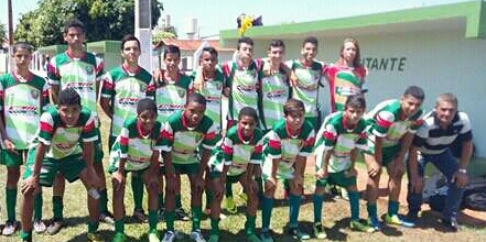"Time sub 15 do ""Amigos do Esporte"""