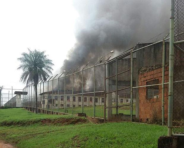 Detentos fogem após rebelião em penitenciária de Bauru, no interior paulista