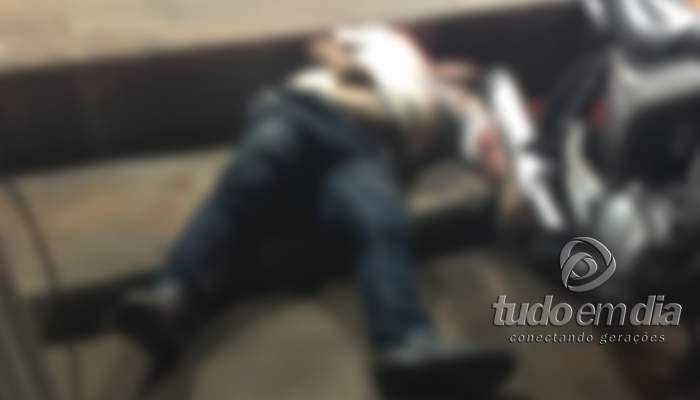 01022017-homem e assassinado em ituiutaba