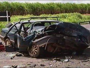 Acidente em Uberaba deixa mulher morta e feridos (Foto: Reprodução/TV Integração)