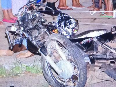 Motociclista morre em colisão com ônibus no Parque das Gameleiras  | Fotos/Neto Talmeli