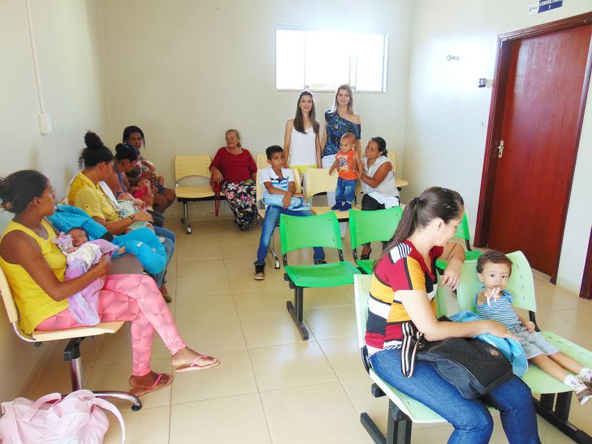 Primeira Dama, Valéria Rampazzo e secretária de Saúde, Sandra Barbosa, no atendimento do Hospital de Capinópolis / Foto: Valdair Bernardelli