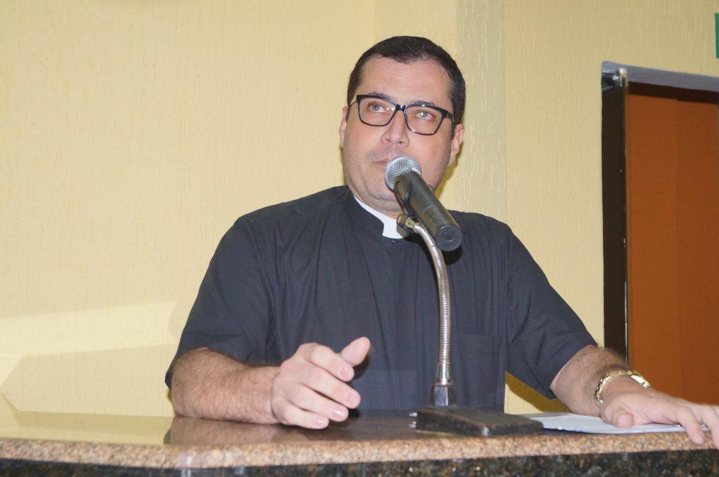 Pe. Willian de Ávila - Paróquia São Pedro e São Paulo / Foto: Paulo Braga