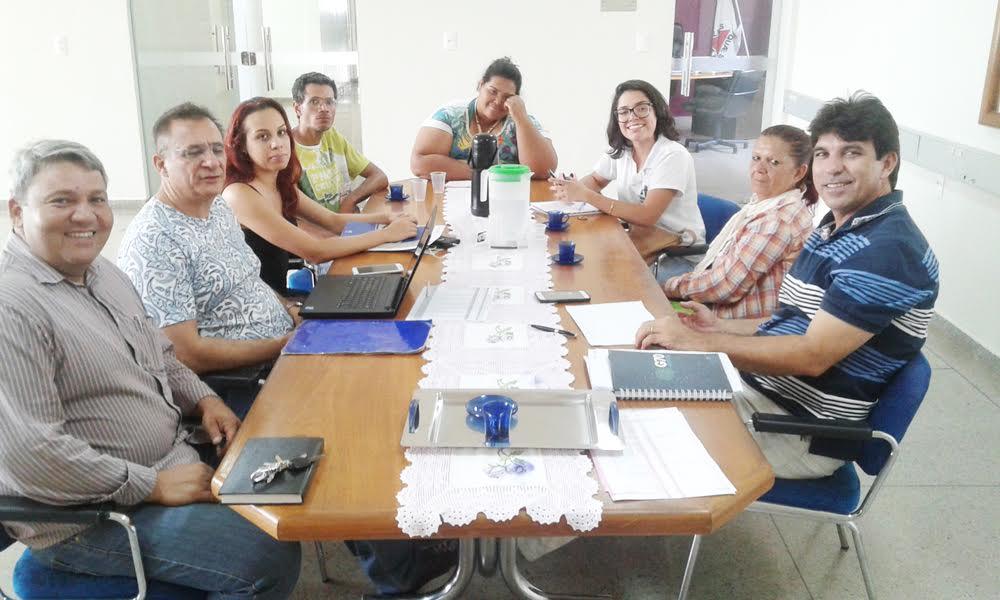 Encontro no prédio da prefeitura de Capinópolis / Foto: Micheli Bernardeli