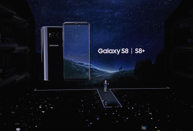 Samsung apresenta seu novo smartphone com assistente virtual