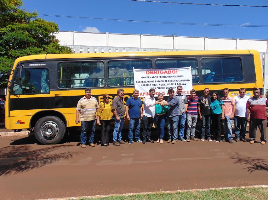 Ônibus viabilizado por meio do secretário Professor Neivaldo / Foto: Valdair Bernardeli