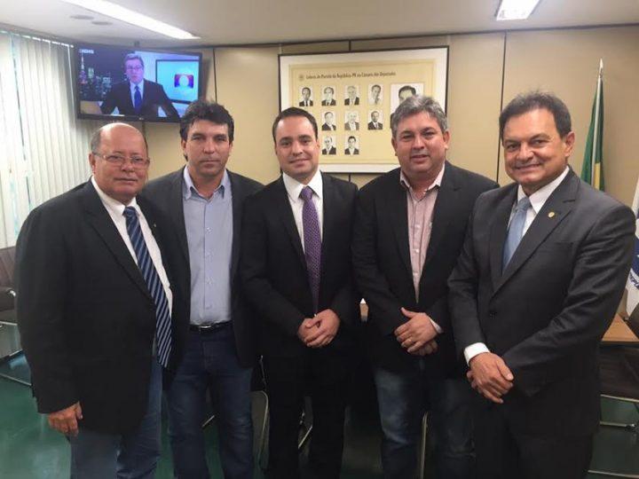(Esq) Deputado Tenente Lúcio, Cleidimar Zanotto, Diogo Cangussu, Leandro Luiz e o deputado Aelton Freitas