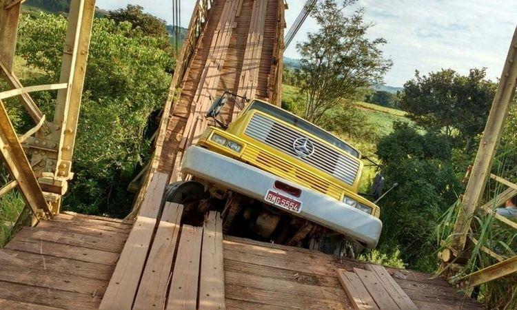 Estrutura não suportou peso do caminhão que destruiu parte da ponte (foto: Prefeitura Municipal de Turvolândia/Divulgação)