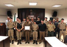 O tenente da Polícia Militar, Edson Roberto de Oliveira, recebeu título de Honra ao Mérito pela Câmara Municipal de Ituiutaba, na noite da última quinta-feira (24).