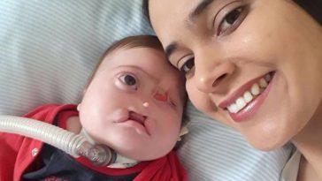 Henrique e a mãe Juliana Silva (Foto: Reprodução/Facebook)