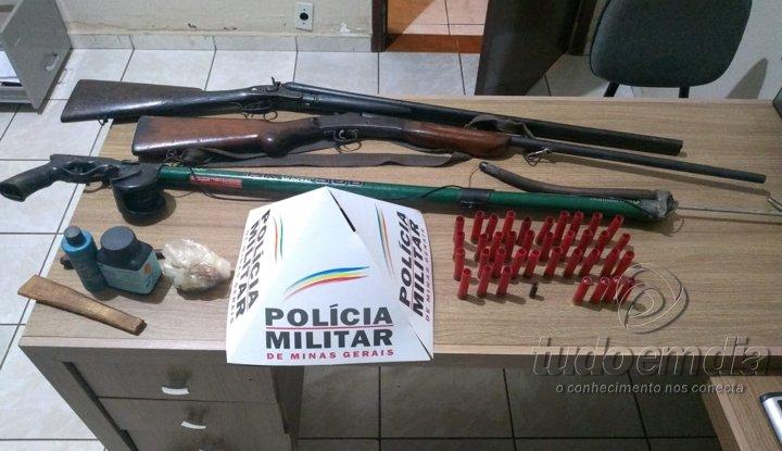 Armas foram apreendidas na propriedade rural