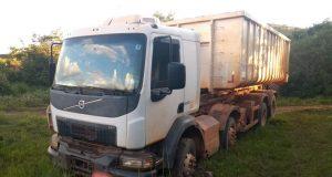 PM recuperou caminhão e produtos roubados (Foto: PMMG)