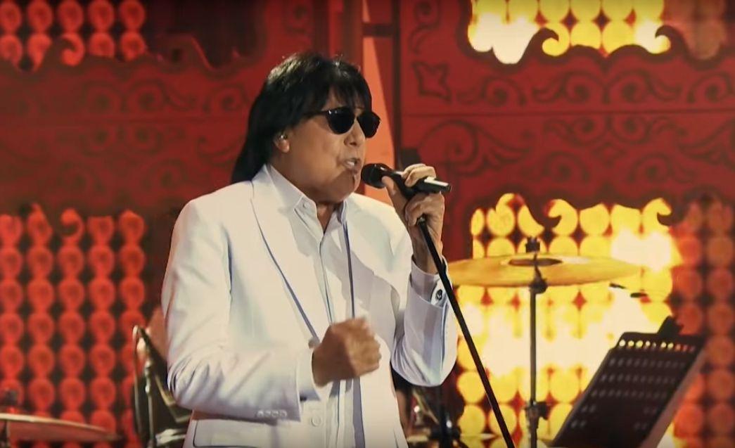 """Cantor Marciano em show do projeto """"Lendas"""" (Foto: DVD Lendas)"""