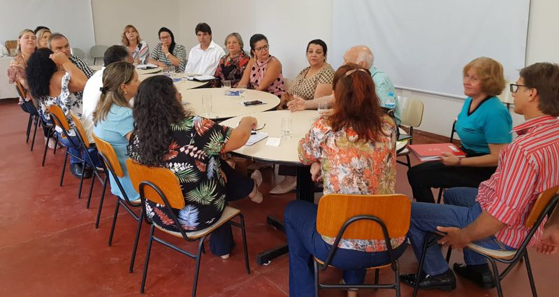 Reunião ocorreu nas instalações de uma faculdade particular em Ituiutaba