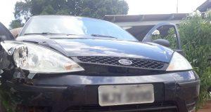 Veículo utilizado pelos suspeitos foi apreendido pela PM (Foto: PMMG/Divulgação)