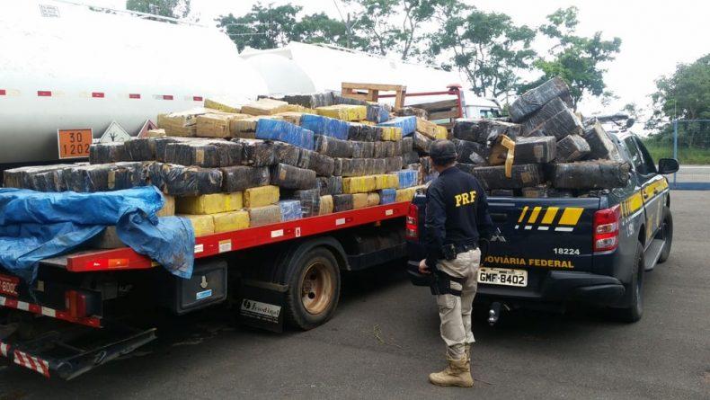 Cerca de 6,5 toneladas de maconha foram apreendidas — Foto: Emilio Braga/G1