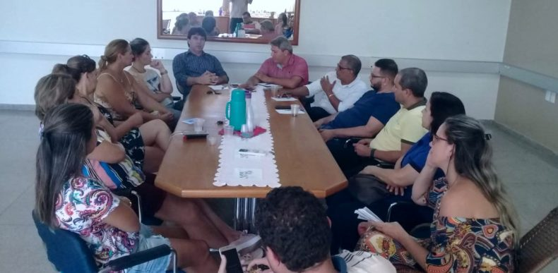 Prefeito Cleidimar e assessores têm reunião com empresariado