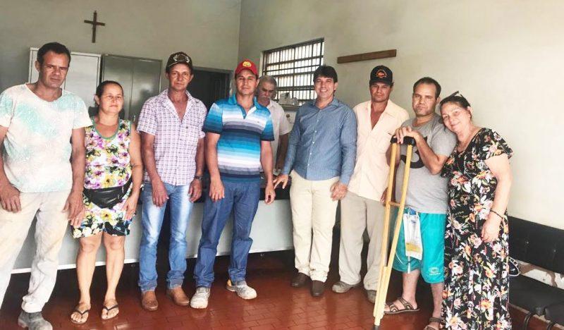 Prefeito Cleidimar Zanotto e herdeiros de Edvaldo dos Santos assinaram a escritura de transferência do imnóvel na sexta-feira, dia 15