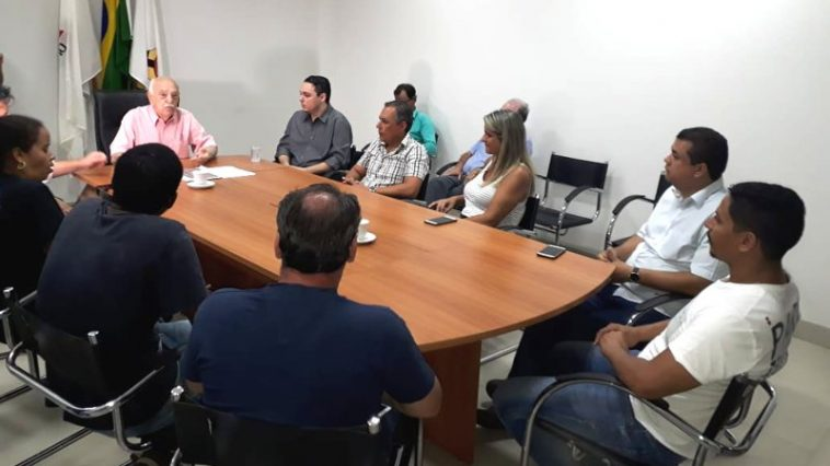 Fued Dib recebeu representantes da população (Foto: Divulgação)