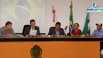 Mesa diretora do Legislativo Capinopolense (Foto: Paulo Braga/Tudo Em Dia)