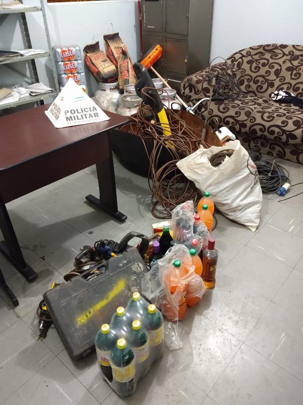 Materiais recuperados pela polícia (Foto: PMMG)