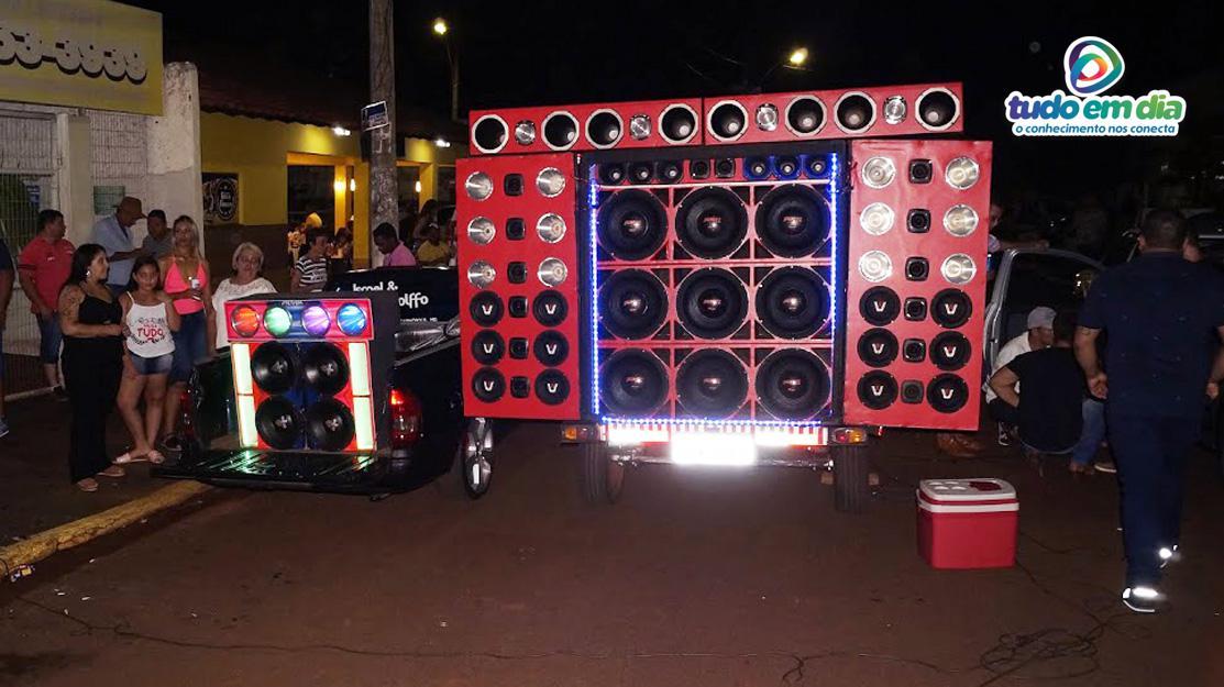 Um paredão de som agitou os amantes de som automotivo (Foto: Paulo Braga/Tudo Em Dia)