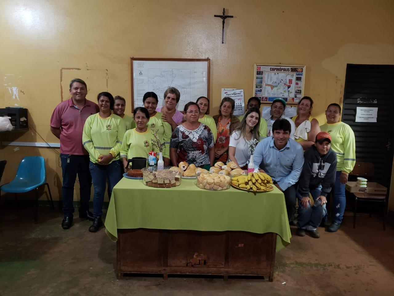 Servidoras foram homenageadas em Capinópolis (Foto: Ascom)