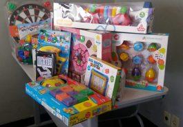 Supermercado doou brinquedos à APAE (Foto: Divulgação)