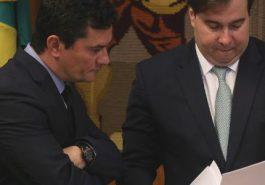O ministro da Justiça, Sergio Moro, e o presidente da Câmara, Rodrigo Maia (DEM-RJ) Imagem: Pedro Ladeira - 19.fev.2019/Folhapress