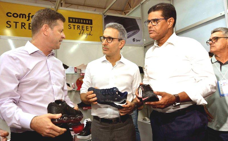 O governador Romeu Zema esteve em Nova Serrana após participar de reuniões em Brasília Crédito (fotos): Renato Cobucci/Imprensa MG