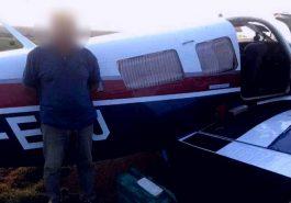 Aeronave teria saído do Mato Grosso e levado droga da Bolívia para a cidade Uberaba (Foto: PM / Divulgação)