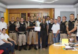 Policiais receberam homenagem (Foto: Divulgação)