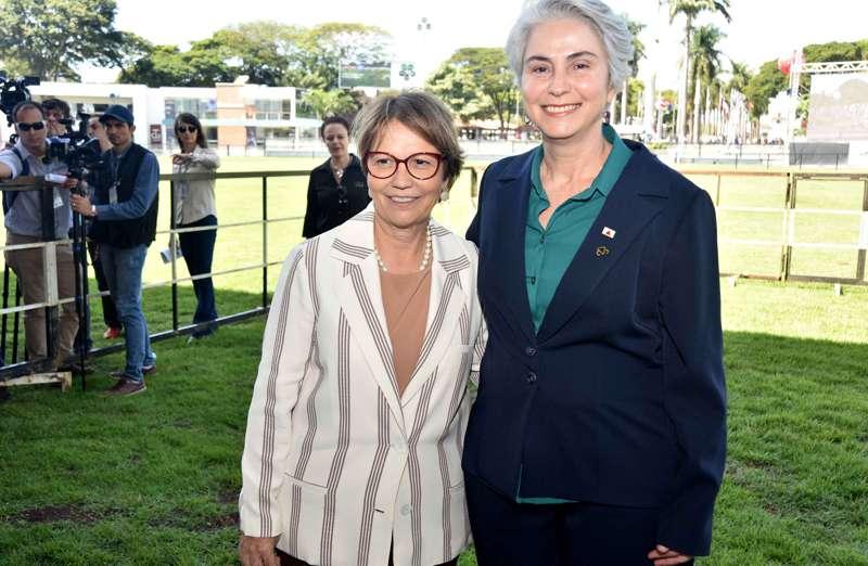 (esq) Ministra Tereza Cristina e a Secretária Estadual  Ana Valentini