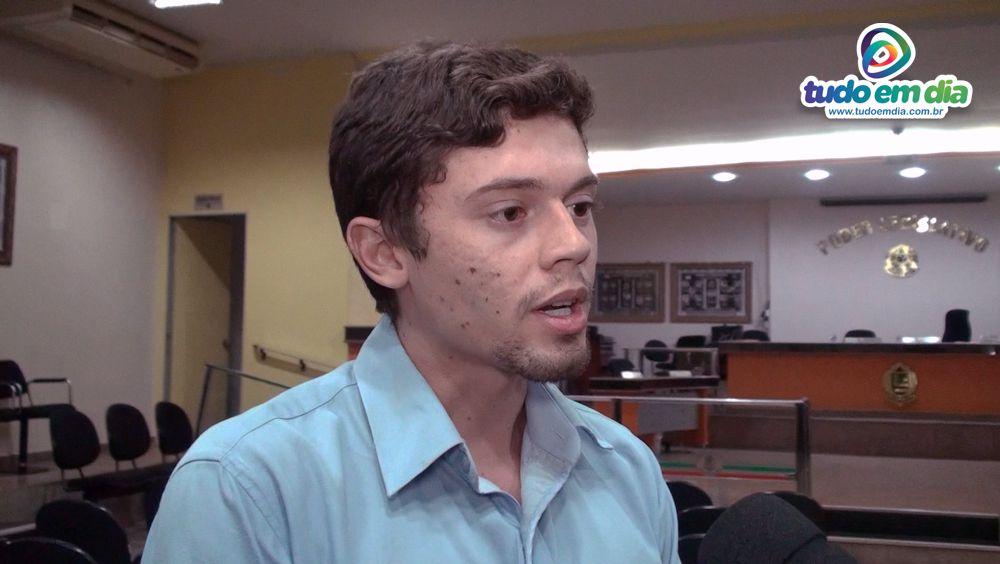 Vereador Daniel França (SD) durante entrevista ao jornalista Paulo Braga (Foto: Tudo Em Dia)