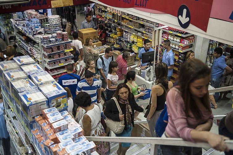 Pesquisa detectou que o comércio foi o setor com maior perda de empregos no país: 28.803 vagas    (Arquivo/Marcelo Camargo/Agência Brasil/EBC)