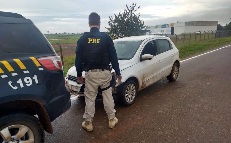 Veículo recuperado havia sido furtado em Uberlândia no dia 25 de Abril (Foto: PRF/Divulgação)