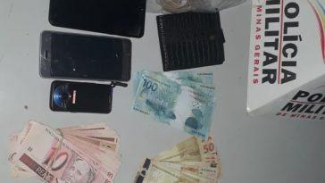 Material apreendido pela Polícia (Foto: PMMG/Divulgação)