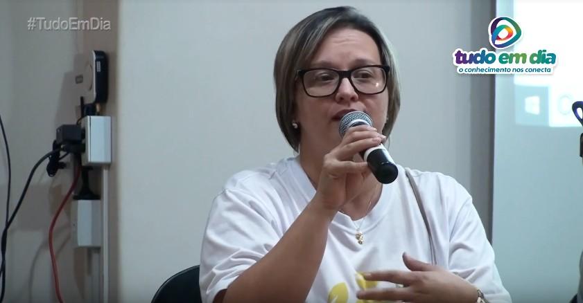 Lívia Reis — representante do setor ambiental da CRV Industrial — durante o primeiro encontro da Coleta Seletiva em Capinópolis (Foto: Tudo Em Dia)