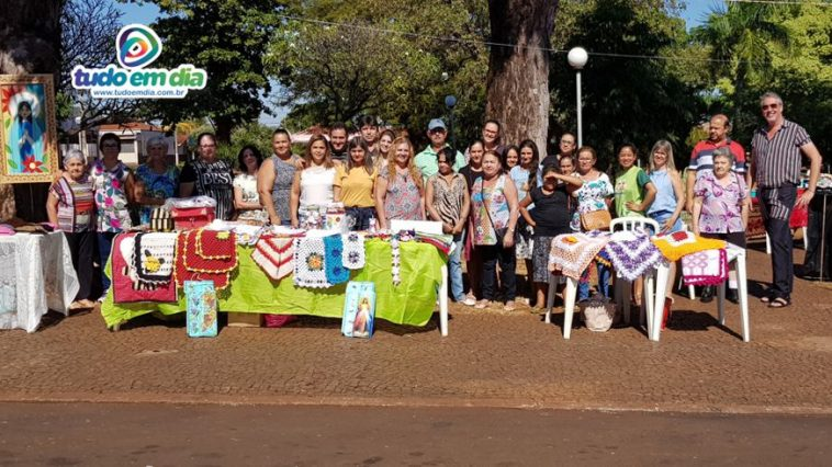 Integrantes do projeto Arte na Praça (foto: Paulo Braga)