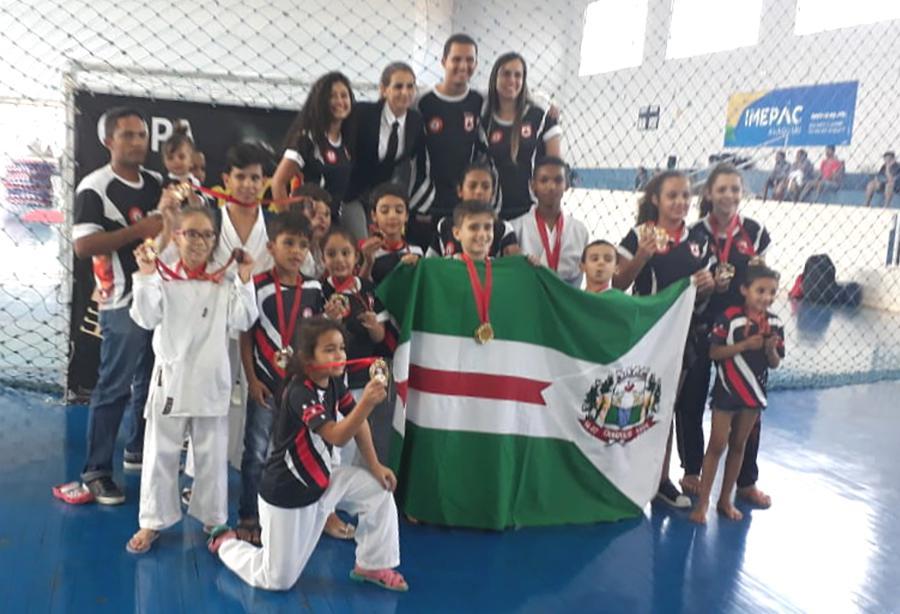 Equipe levou 32 medalhas (Foto: divulgação)