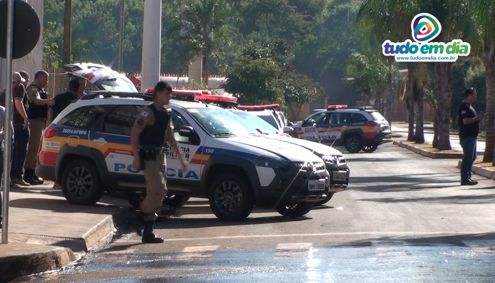 Megaoperação envolveu a Polícia Militar e a Polícia Civil (Foto: Paulo Braga/Tudo Em Dia)