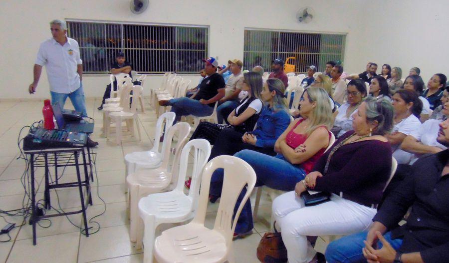 Reunião ocorreu no Centro de Convenções 'Cândido Antônio Vaz' (Foto: Ascom/Prefeitura)