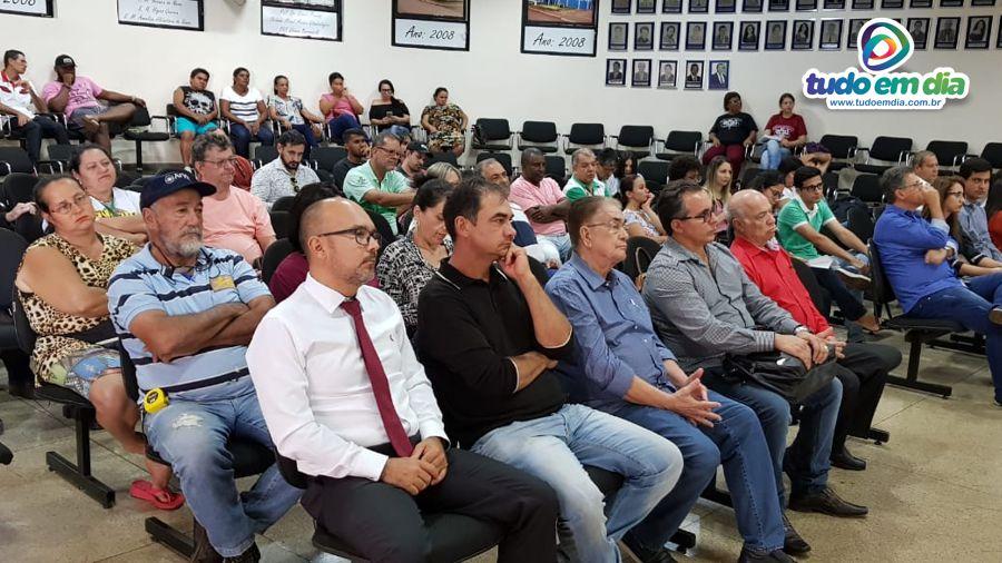 Plenário da Câmara fico repleto de pessoas interessadas no desenvolvimento sustentável (Foto: Paulo Braga)