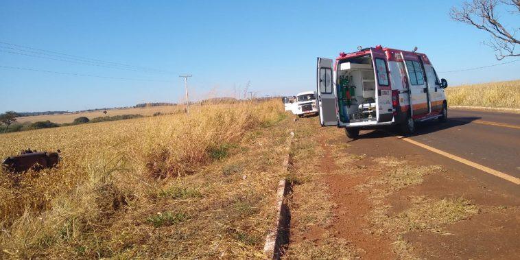 O acidente ocorreu por volta das 09h15 de domingo. Um casal que seguia de Capinópolis à Ituiutaba teve ferimentos leves (Foto: Reprodução/redes sociais)