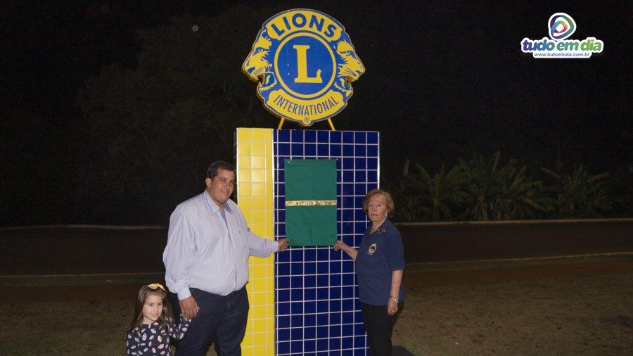 Obelisco é inaugurado no trevo de acesso à Capinópolis (Foto: Paulo Braga/Tudo Em Dia)