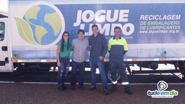 Prefeito Cleidimar Zanotto juntamente com a equipe do projeto (Foto: Daniel Braga)