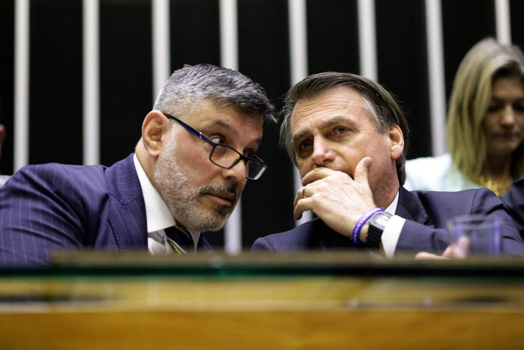 O presidente Jair Bolsonaro conversa com Alexandre Frota na Câmara - Michel Jesus - 29.mai.19/Câmara dos Deputados