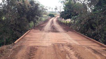 Ponte na região do 'Córrego do Queixada' em Capinópolis (Foto: Gilson Nunes)